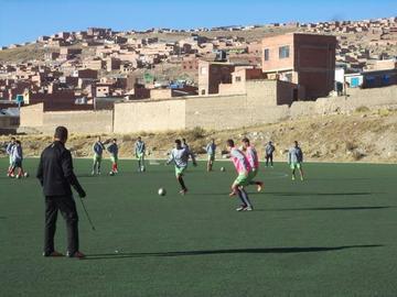 El técnico Leeb fortalece el aspecto defensivo de Nacional Potosí
