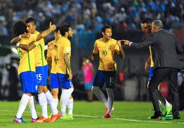 Brasil reta a Chile por eliminatorias en Sao Paulo