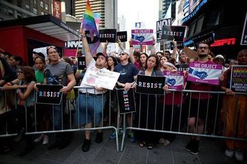 Se prohíbe a transexuales servir  en las Fuerzas Armadas de EE.UU.