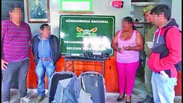 """Detienen a 10 """"mulas"""" con droga en la frontera"""