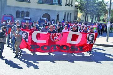 Trabajadores potosinos exigen un ampliado de la COB para ir al paro