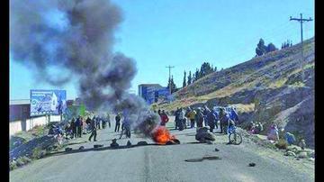 La detención de dirigentes desata la ira en Achacachi