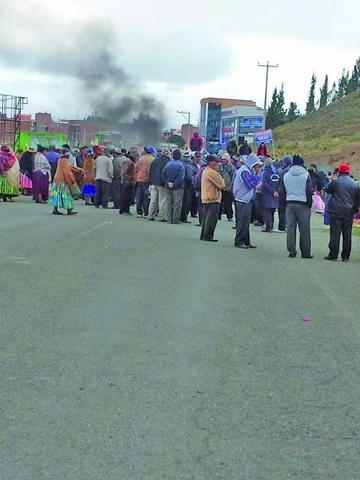 Detenidos de Achacachi pasan a  El Alto y suspenden la audiencia