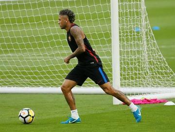 Crece la incertidumbre sobre Neymar