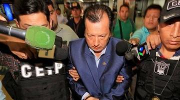 El director de Derechos Reales está imputado por tres delitos