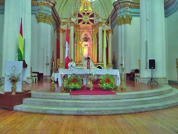 La Iglesia católica pide trabajar con compromiso para progresar