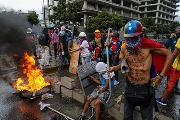 Cancilleres de 12 países analizan la crisis de Venezuela en Lima
