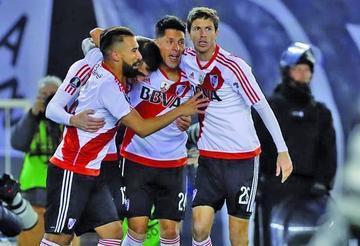 River Plate saca el boleto a cuartos con angustia