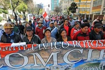 Cívicos ratifican que sí irán al revocatorio de mandato