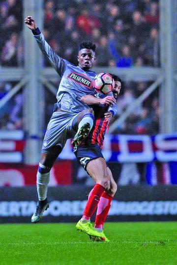 San Lorenzo vence a Emelec en penales