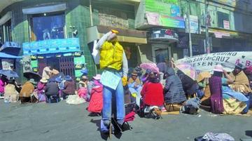 Gremiales de La Paz radicalizarán su protesta desde mañana lunes