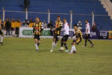 Nacional no levanta vuelo en el Clausura