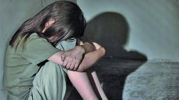 Detienen a un hombre acusado de violar y hacer abortar a su hija de 14