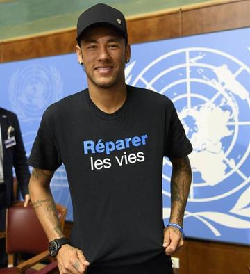 Neymar presta su imagen a Handicap International