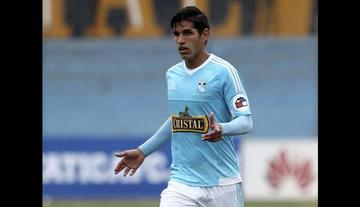 El defensa Luis Abram es convocado para partidos contra Bolivia y Ecuador