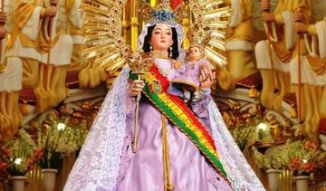 Aclaman a virgen de Copacabana