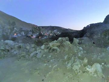 """Mineros descubren """"tapado"""" de monedas de plata en excavación"""