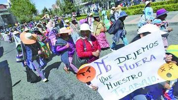 Microempresarios inician marcha desde Patacamaya hacia La Paz