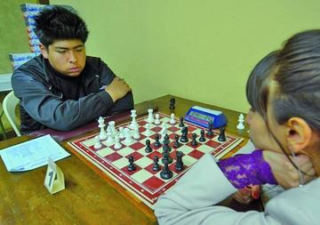 Aguilar gana el tercer nacional clasificatorio de ajedrez