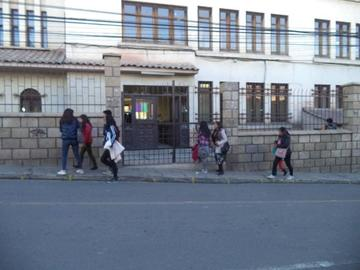 Aprueban 14 rediseños curriculares en medio de protestas en la UATF