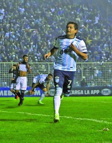 Atlético Tucumán abre los octavos con victoria