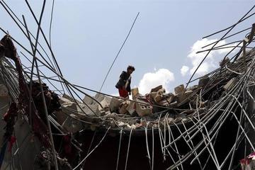 Bombardeos de alianza árabe en Yemen matan a 54 personas