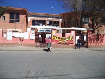 Jara asume sus funciones y los maestros siguen movilizados