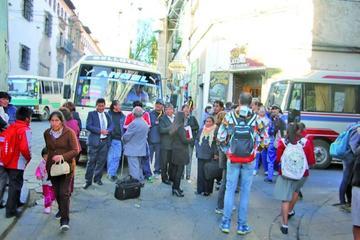 Los maestros urbanos anuncian la toma de instituciones públicas