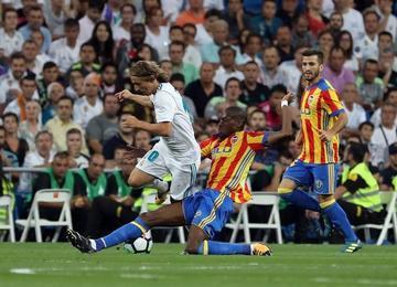 Valencia empata y baja a tierra a Real Madrid