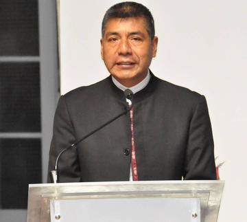 Gobierno de Bolivia analiza la compra de armamento
