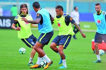Neymar se une a la selección brasileña