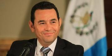 El presidente de Guatemala dice que no le teme a la ley