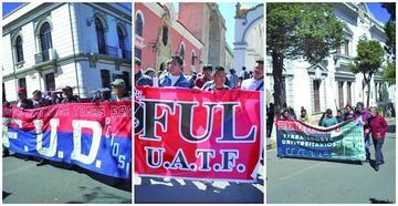 La UATF marcha y exige un presupuesto de 30 millones de Bolivianos