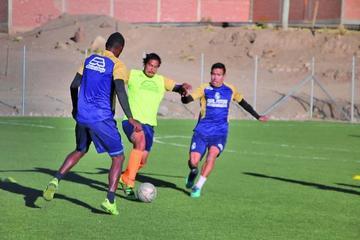 Zamora ensaya variantes en el onceno titular de Real