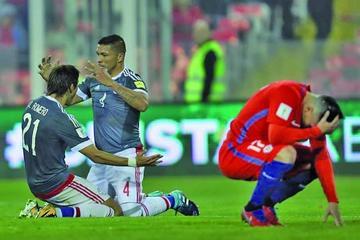 Paraguay golea 3-0 a Chile