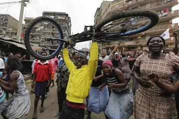 Anulan la elección presidencial en Kenia y llaman a comicios