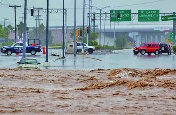 Tormenta tropical y un huracán tienen en alerta parte de América