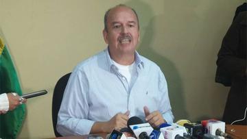 Opositor cuestiona privilegios de trabajo del esposo de diputada Montaño