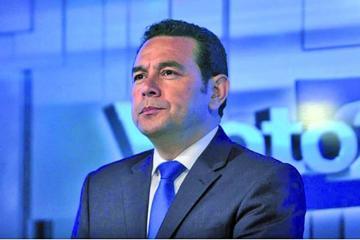 Comisión recomienda retirar inmunidad al presidente de Guatemala