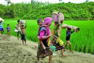 Éxodo de rohinyás de Birmania sobrepasa las 300 mil personas