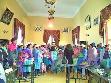 Padres de familia exigen retomar la ampliación de una unidad educativa