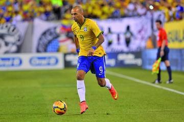 El técnico de Brasil convoca a Diego Tardelli para las eliminatorias mundialistas