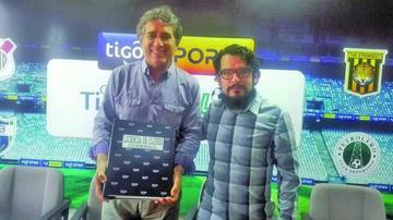 Bolívar presenta documentos para la licencia de clubes