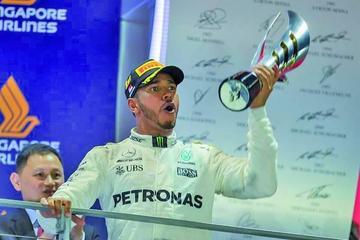 Hamilton gana el GP de Singapur