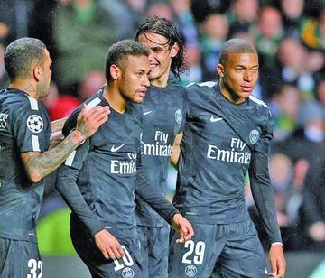 Neymar y Cavani discuten por penal