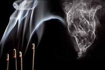 El humo del  incienso es  más tóxico  que el tabaco