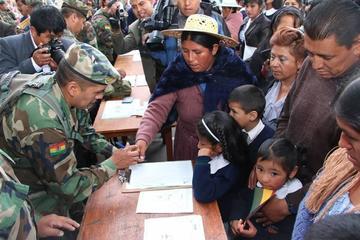 Direcciones educativas preparan lista de pago del bono Juancito Pinto
