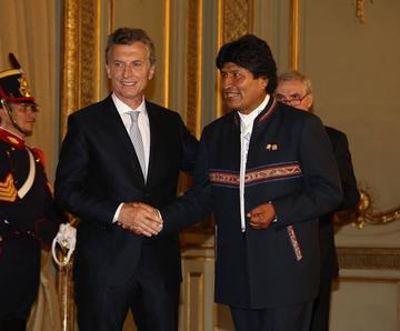 Bolivia y Argentina analizarán la adquisición de aviones militares