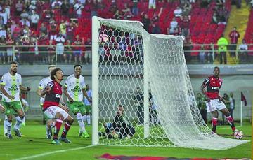 Flamengo elimina a Chapecoense y clasifica a los cuartos de final