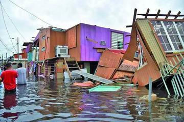 Puerto Rico: tras huracán evacuan a 70 mil personas